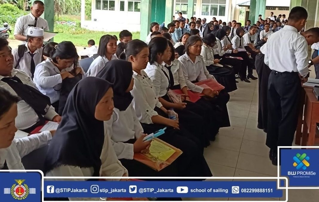 Medical Check Up Participants of DPM Cooperation in SMK 9 Pontianak with STIP Jakarta