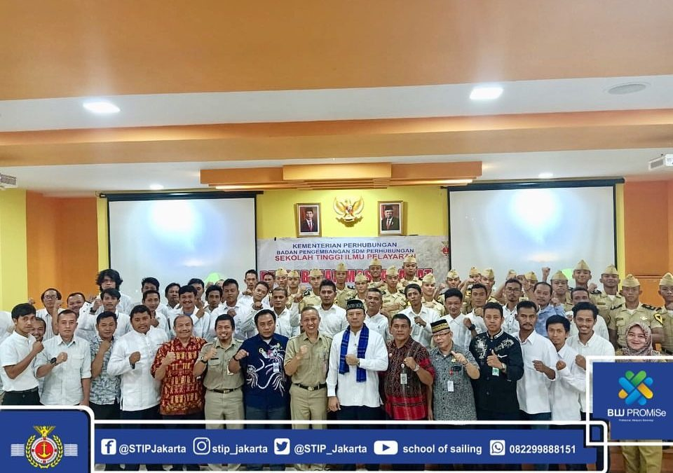 Welcoming Anniversary, STIP Jakarta Carries Out Community Service Program